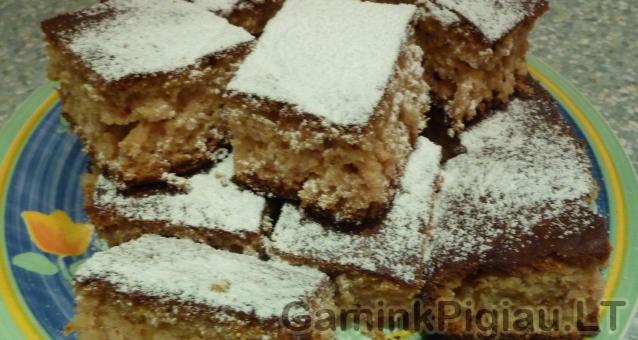Pigus pyragas su uogiene (meduolinis)