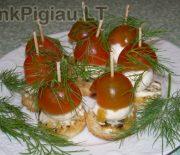 Vieno kąsnio sumuštinukai su mocarelos sūriu